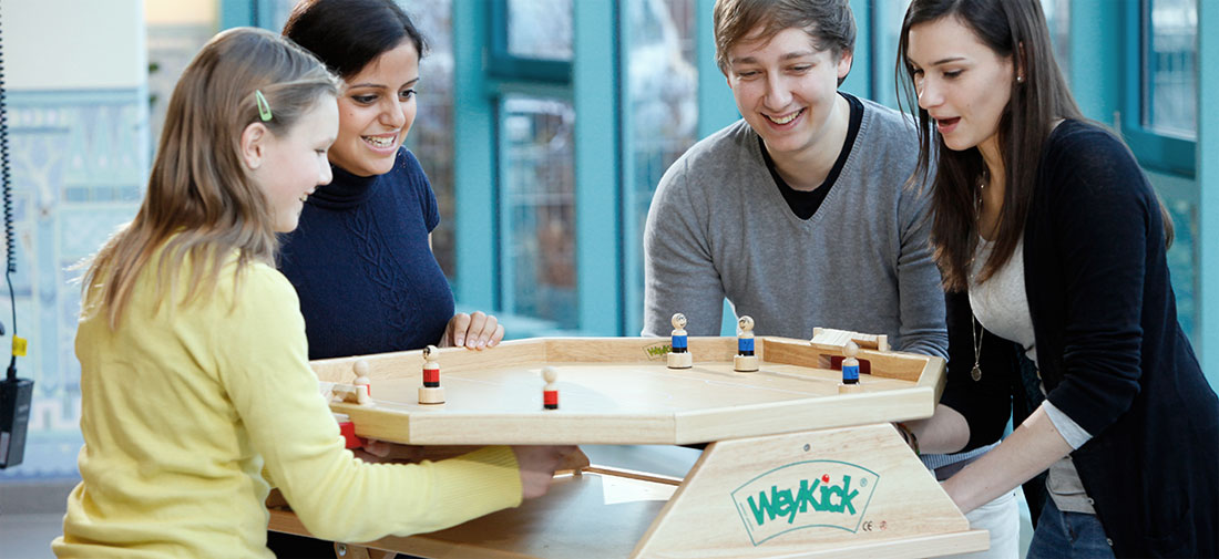 WeyKick – football with magnetism